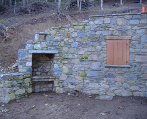 Opera in pietra al termine dei lavori su parete progetto 1